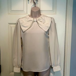 Chaus vintage white long sleeve blouse size 6